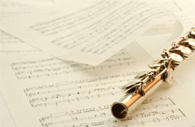 Noten und Flöte